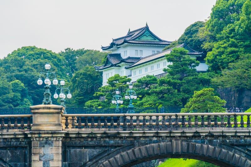 Castelo imperial do palácio da arquitetura velha bonita com fosso e fotografia de stock