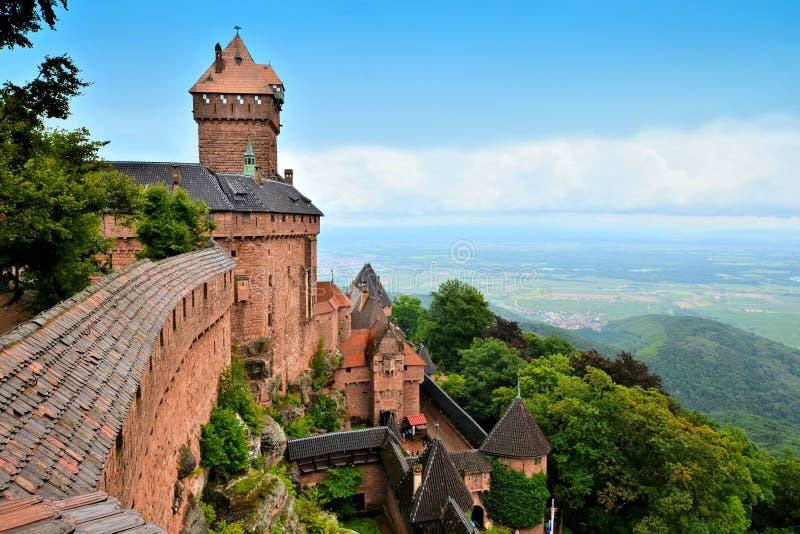 Castelo medieval de Haut Koenigsbourg, Alsácia, França imagem de stock royalty free