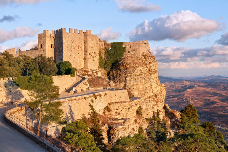 Castelo medieval de Venere, Erice, Sicília imagem de stock royalty free