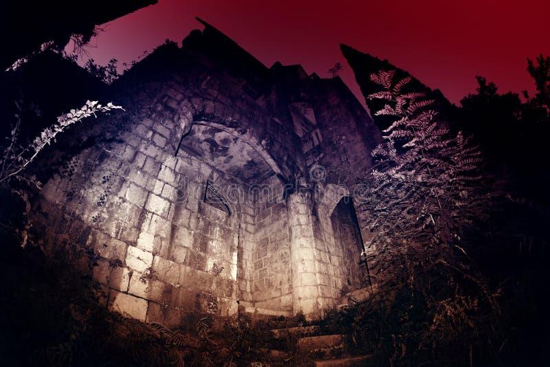 Castelo medieval misterioso foto de stock