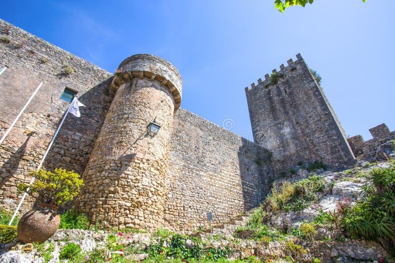 Castelo medieval na vila portuguesa da fortaleza Portugal do castelo de Obidos/ foto de stock royalty free