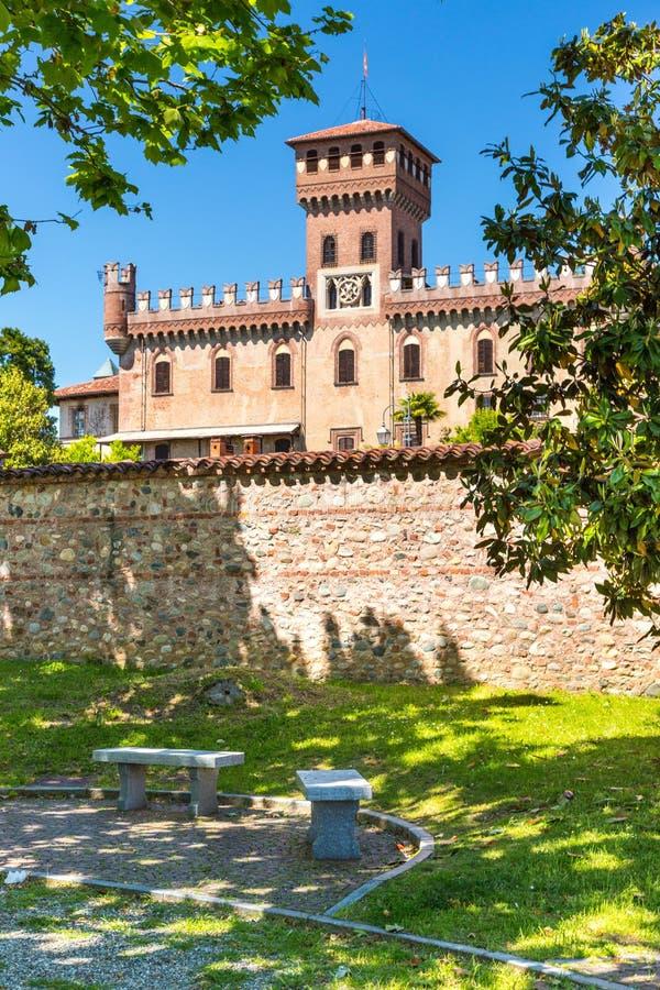 Castelo na região de Piedmont, Itália norte do ` de Mazze foto de stock royalty free