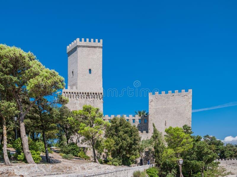 Castelo normando ou castelo medieval do Vênus em Erice, província de Trapani em Sicília, Itália foto de stock