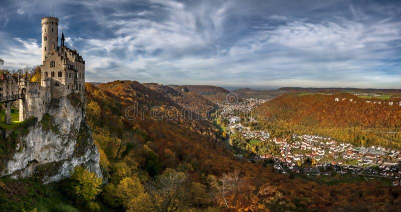 Castelo-panorama de Lichtenstein imagem de stock