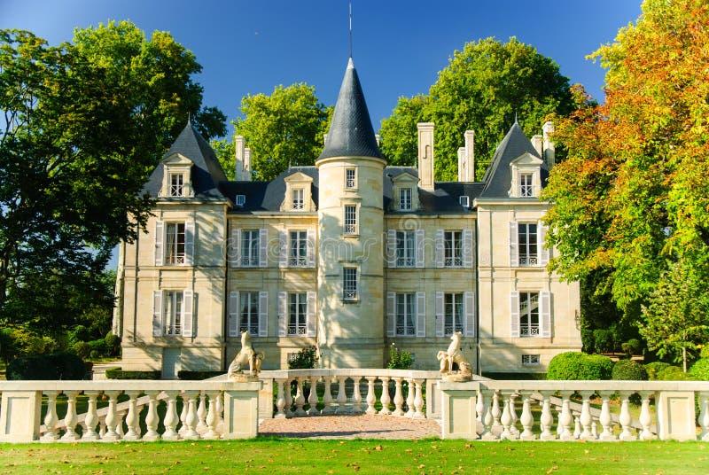 Castelo Pichon Lalande na região Medoc, França fotografia de stock royalty free