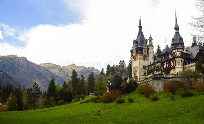 Castelo real famoso de Peles, Sinaia, Roménia foto de stock