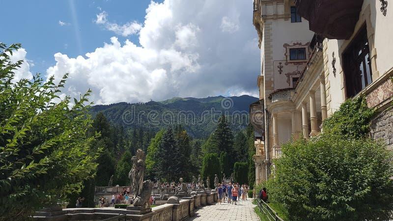 Castelo real famoso Peles em Sinaia, Romênia foto de stock