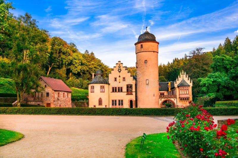 Castelo romântico bonito Mespelbrunn em Alemanha imagem de stock royalty free