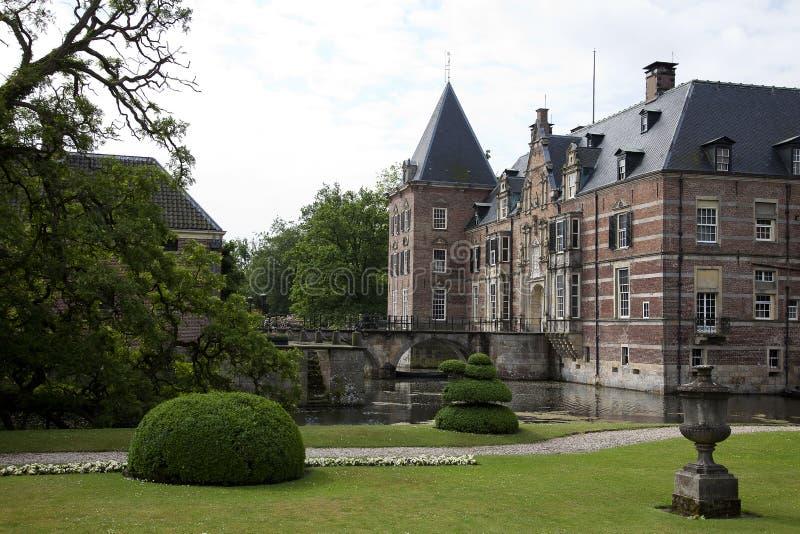 Castelo Twickel em Delden, uma propriedade belamente preservada da propriedade do país na camionete Twente de Hof fotos de stock royalty free