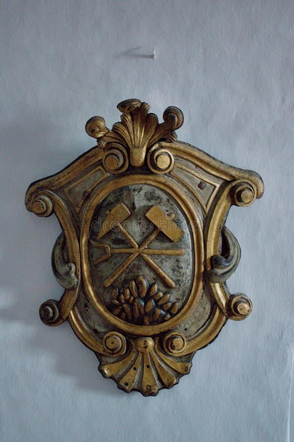 Castelo velho Banska Stiavnica - símbolo do mineiro fotos de stock royalty free