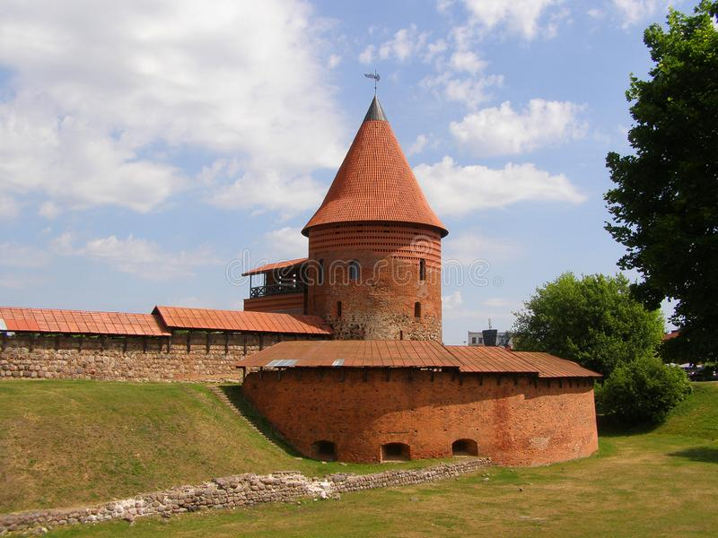 Castelo velho em Kaunas, Lithuania Século XIV foto de stock royalty free