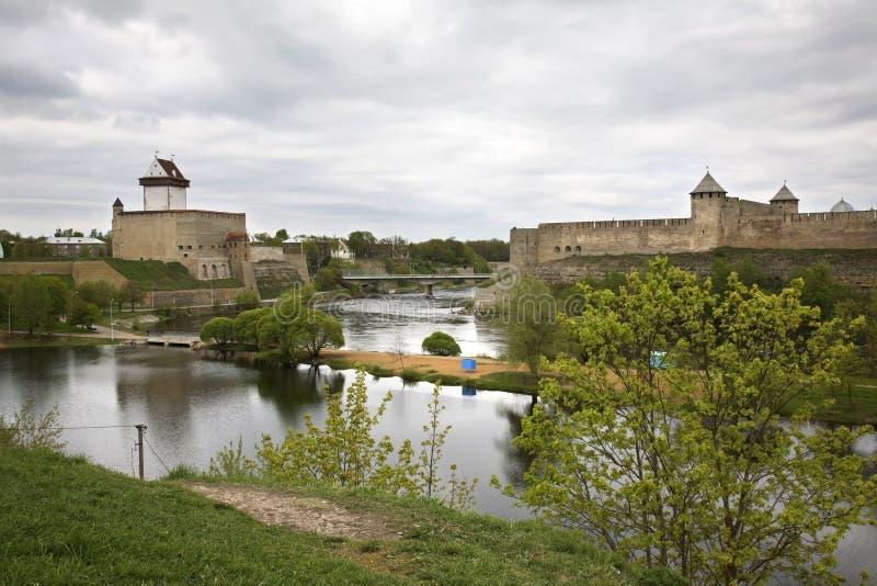 Castelo velho em Narva Estónia foto de stock