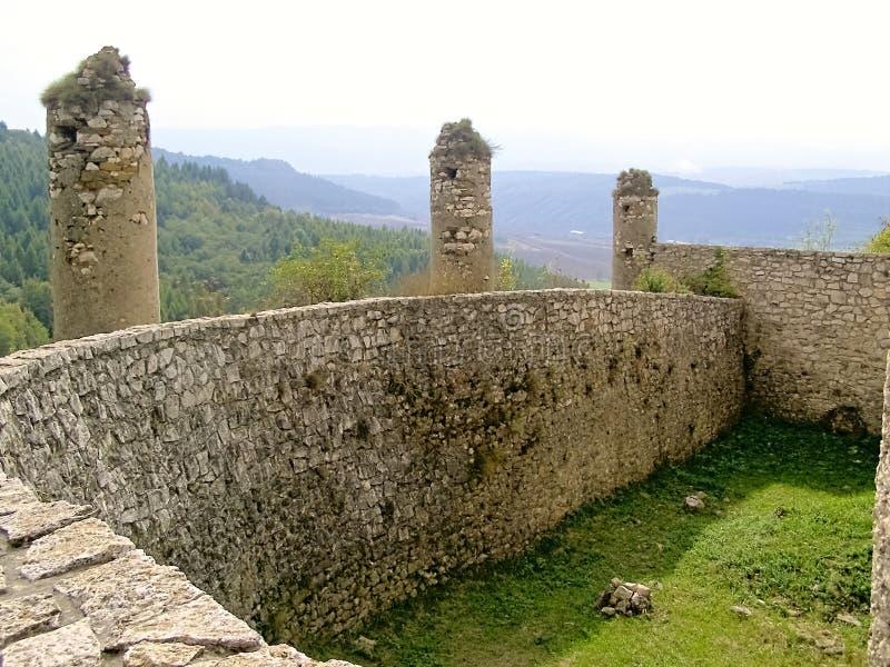Castelo-vista de Eslováquia Spissky da estrutura interna das paredes foto de stock