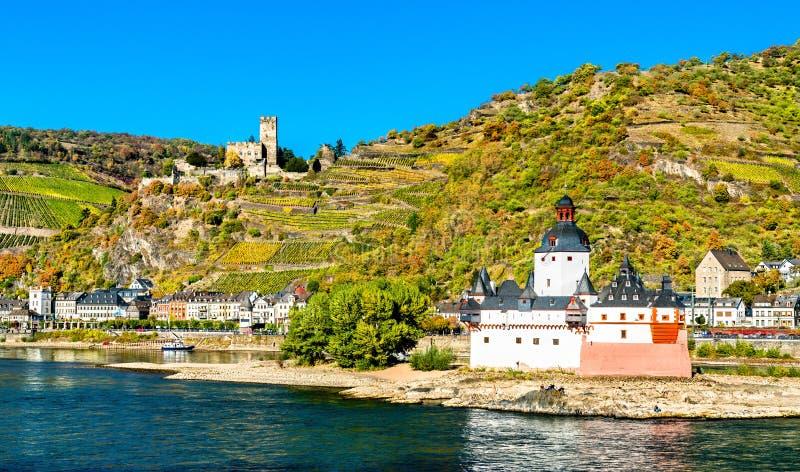 Castelos de Pfalzgrafenstein e de Gutenfels no vale de Rhine River, Alemanha imagens de stock