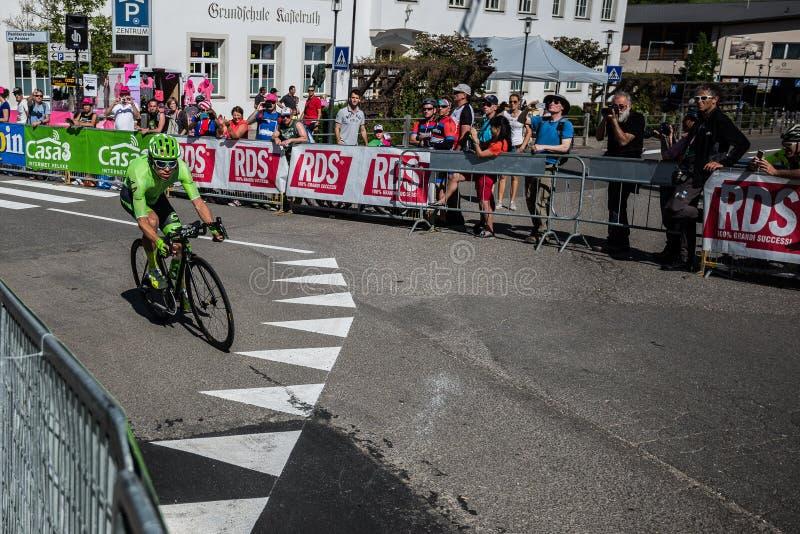 Castelrotto,意大利2016年5月22日;Rigoberto Uran,专业骑自行车者,在困难时期试验攀登期间 免版税库存图片