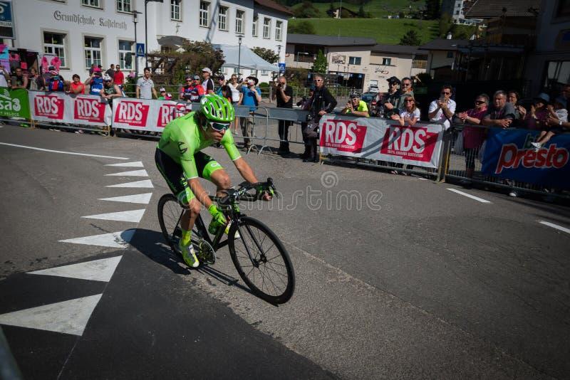 Castelrotto, Itália 22 de maio de 2016; Rigoberto Uran, ciclista profissional, durante uma escalada experimental da dificuldade foto de stock royalty free