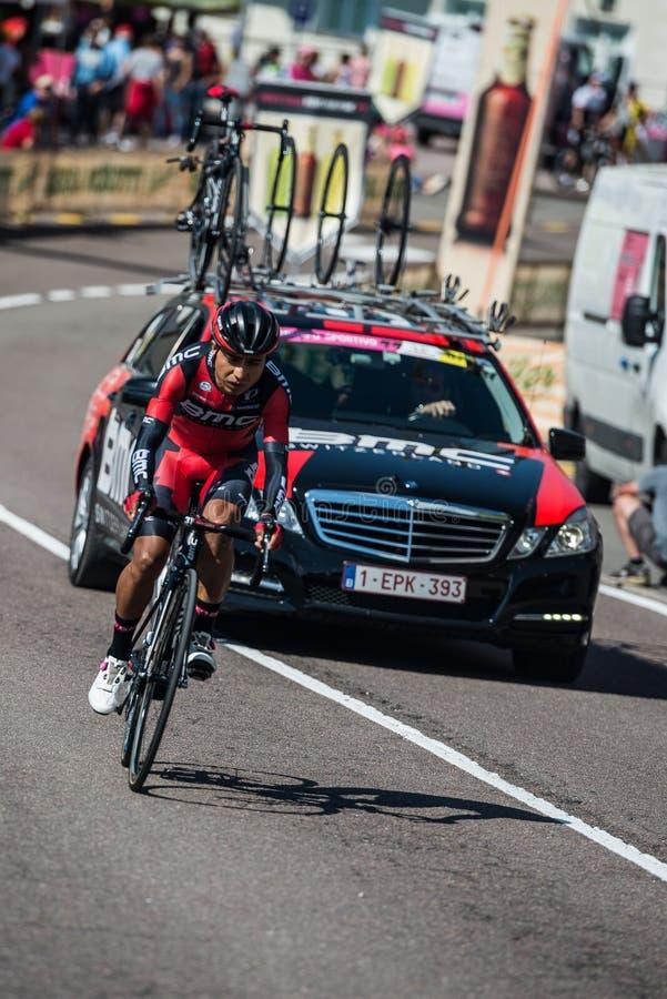 Castelrotto, Italia 22 de mayo de 2016; Atapuma Darwin, ciclista profesional, durante una subida de ensayo de la dificultad foto de archivo libre de regalías