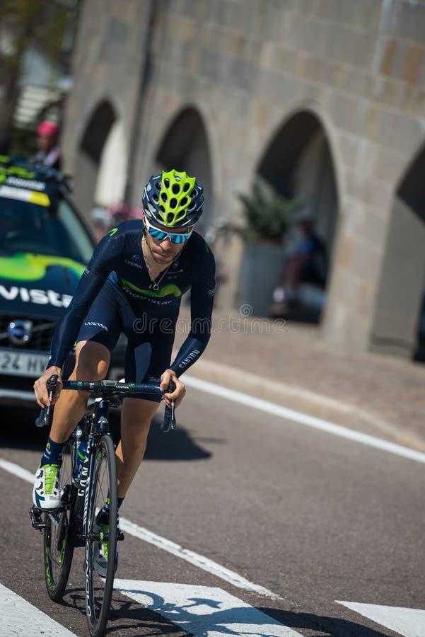 Castelrotto, Italia 22 de mayo de 2016; Ciclista profesional de Giovanni Visconti, durante una subida de ensayo de la dificultad imagenes de archivo