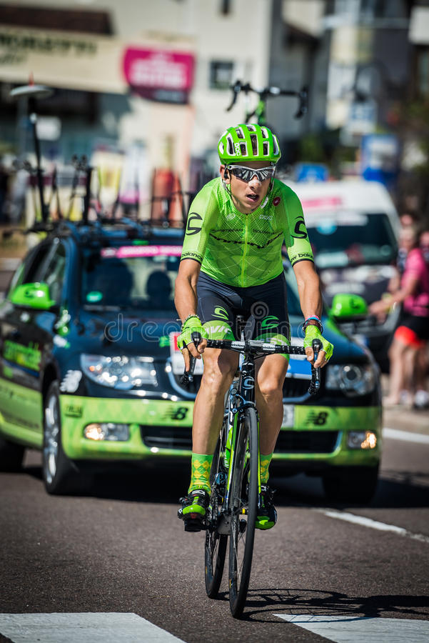 Castelrotto, Italia 22 de mayo de 2016; Davide Formolo, ciclista profesional, durante una subida de ensayo de la dificultad foto de archivo libre de regalías