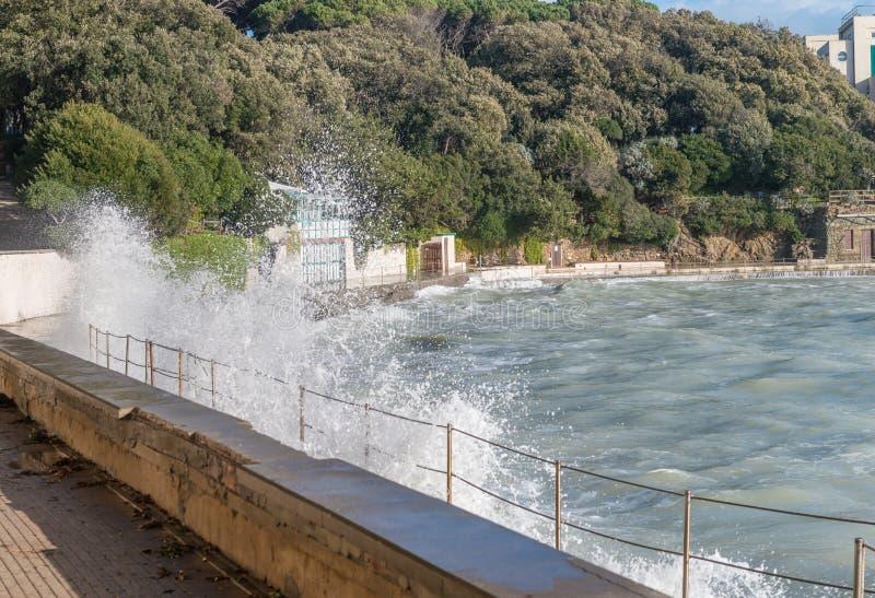 Castiglioncello, Toskana - Küstenansicht während eines Sturms stockfoto