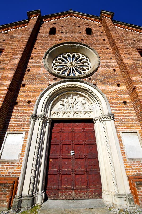 Castiglione Italia il vecchio campanile della chiesa del terrazzo della parete immagine stock libera da diritti