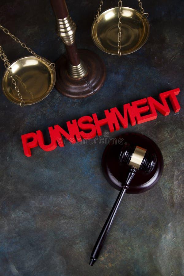 Castigo, concepto de la justicia, mazo de la corte, tema de la ley, mazo del ju fotografía de archivo