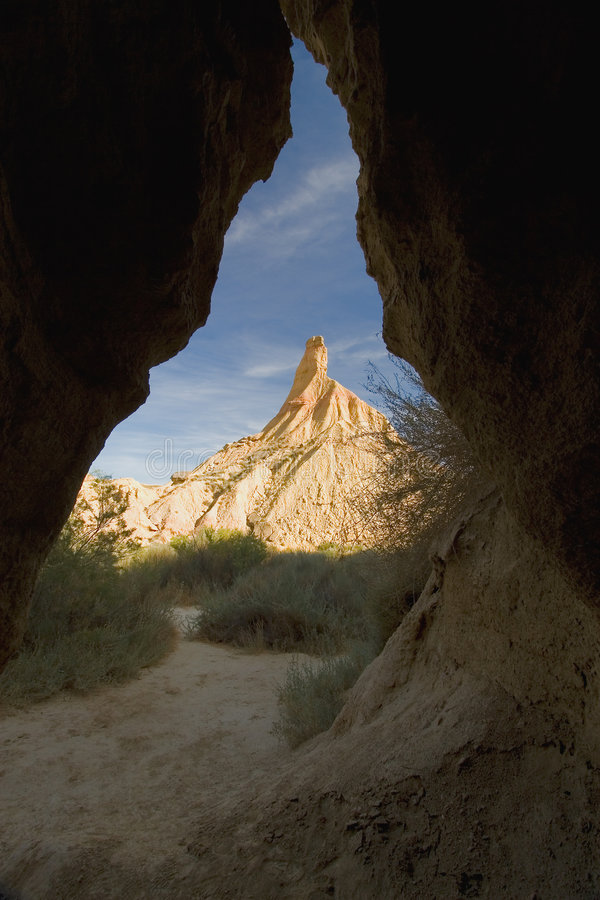 Castildetierra von der Höhle lizenzfreies stockbild