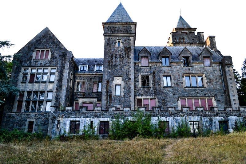 Castillo abandonado misterioso fotos de archivo libres de regalías