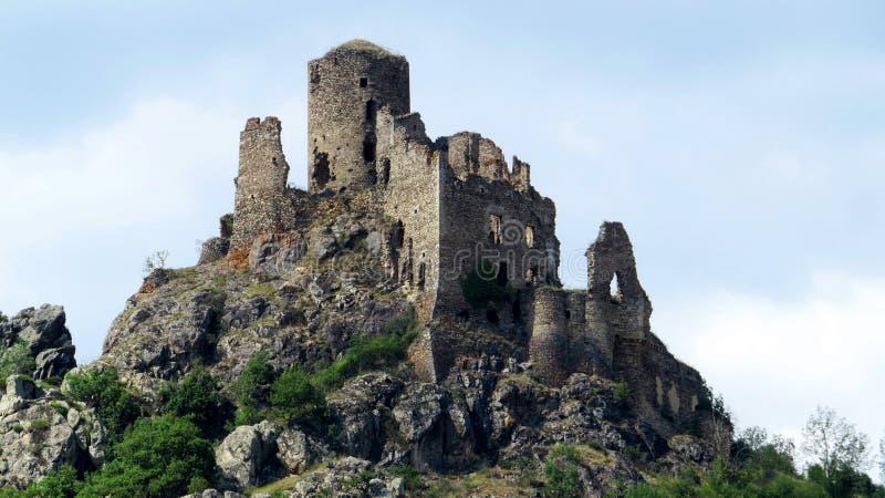 Castillo arruinado cerca de Issiore Francia imágenes de archivo libres de regalías