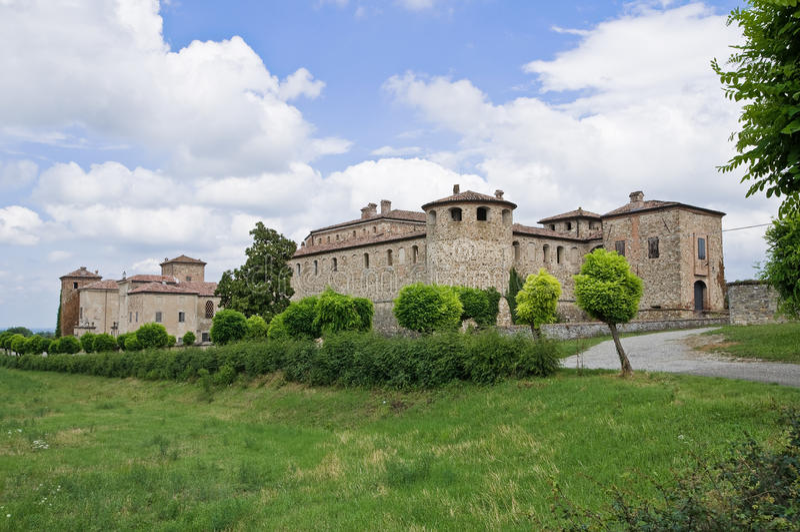 Castillo de Agazzano. Emilia-Romagna. Italia. imagen de archivo