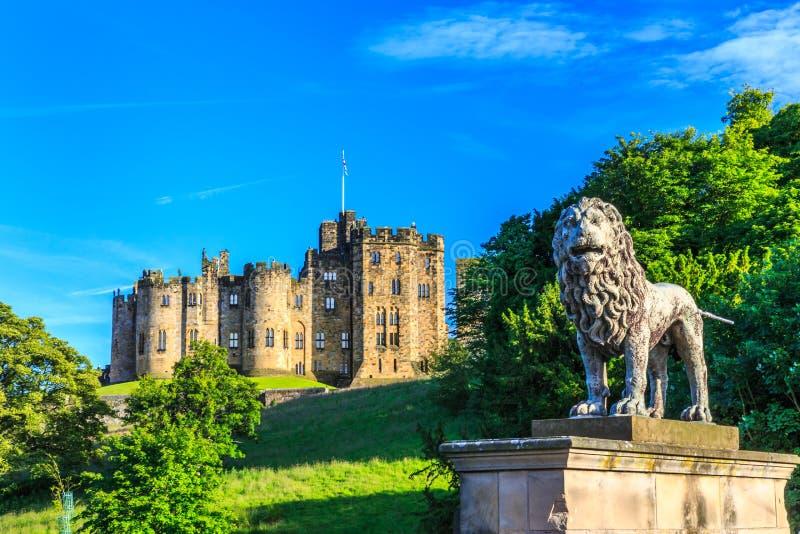 Castillo de Alnwick, Inglaterra fotografía de archivo libre de regalías