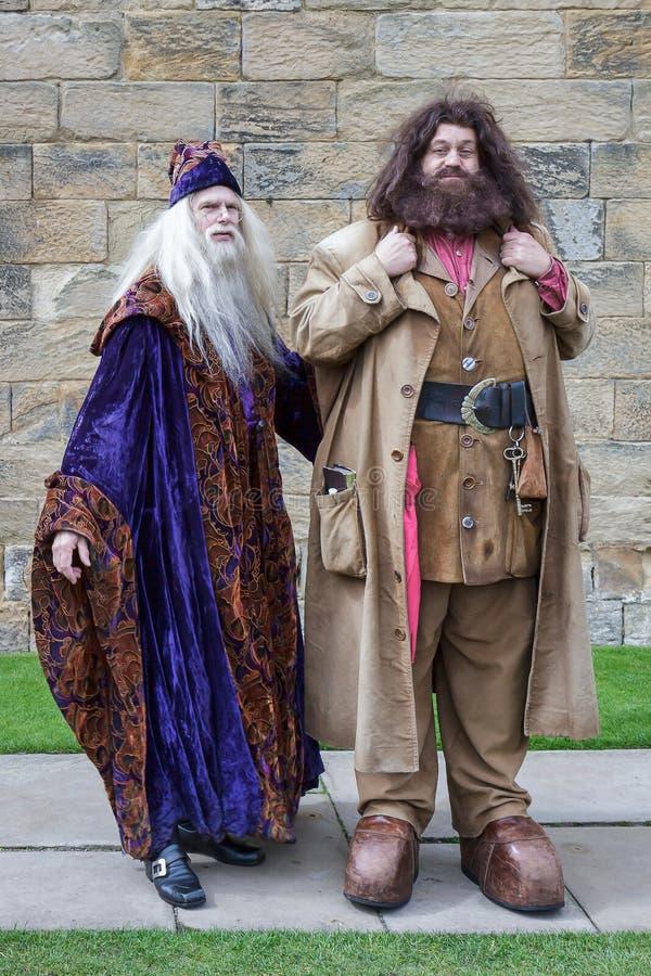 CASTILLO DE ALNWICK, NORTHUMBERLAND/UK - 19 DE AGOSTO: Dumbledore y H foto de archivo