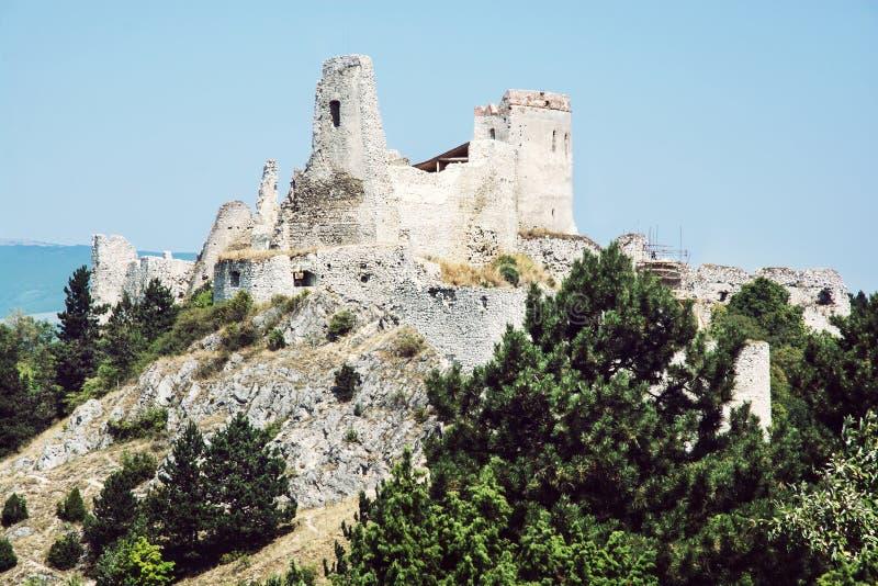 Castillo de Cachtice, Eslovaquia imagen de archivo