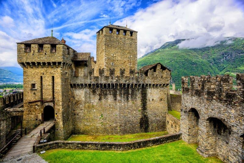 Castillo de Castello di Montebello, Bellinzona, Suiza imágenes de archivo libres de regalías