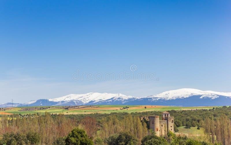 Castillo de Castilnovo κάστρο στο τοπίο της Καστίλλης Υ Leon στοκ φωτογραφίες