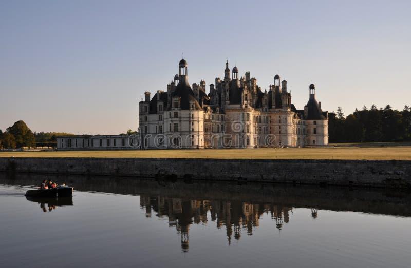 Castillo de Chambord en el amanecer fotografía de archivo