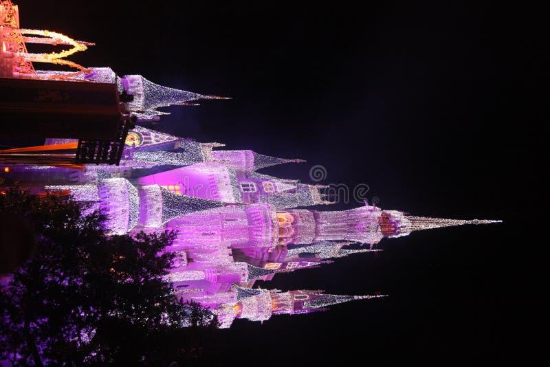 Castillo de Cinderella en el mundo de Disney imagen de archivo libre de regalías