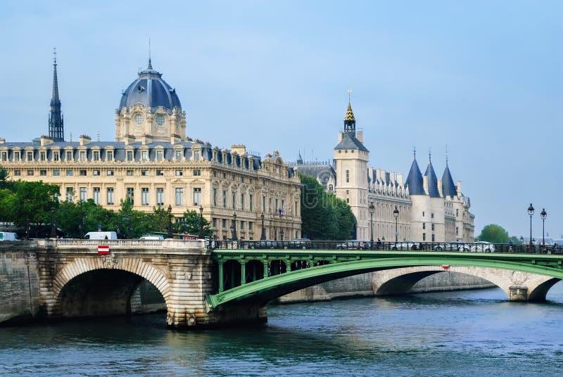 Castillo de Conciergerie en París fotografía de archivo libre de regalías