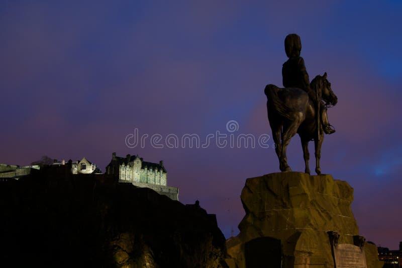 Castillo de Edimburgo en la noche fotografía de archivo libre de regalías