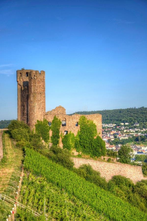 Castillo de Ehrenfels, Burg Ehrenfels en el río Rhine cerca de Ruedesheim y Bingen Rhin, Hesse, Alemania foto de archivo