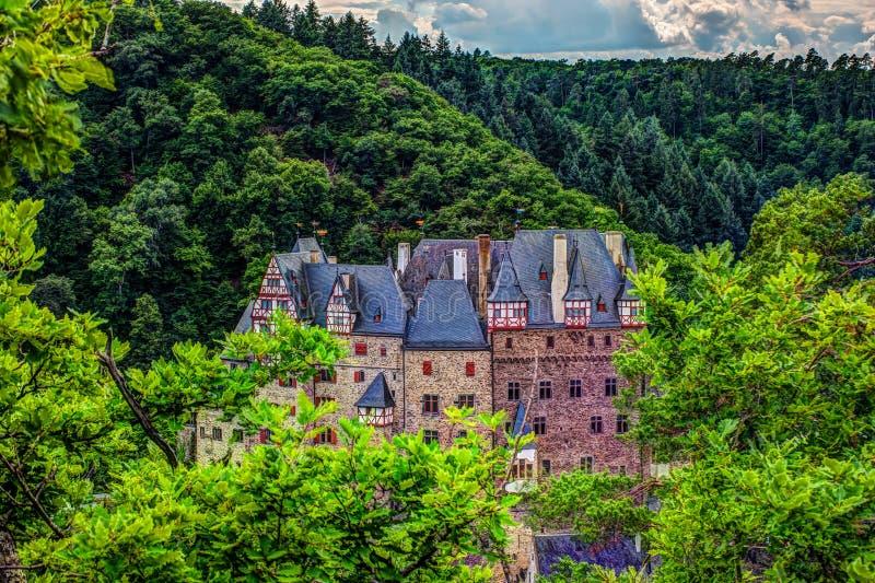 Castillo de Eltz en Renania-Palatinado, Alemania imagen de archivo