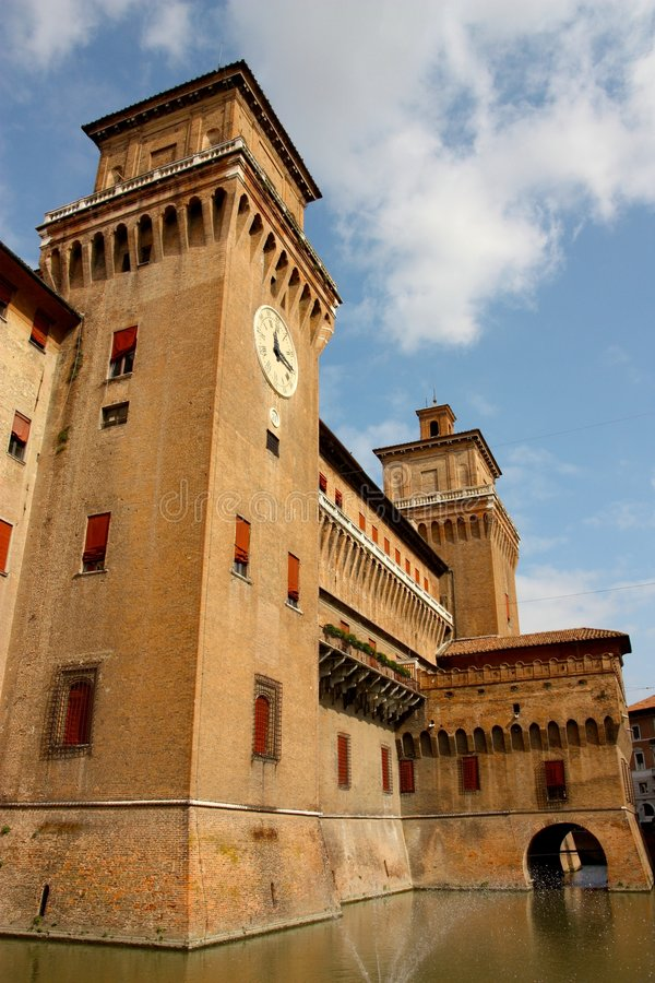 Castillo de Ferrara en Italia fotografía de archivo libre de regalías