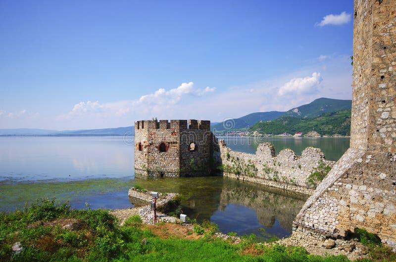 Castillo de Golubac en Serbia foto de archivo libre de regalías