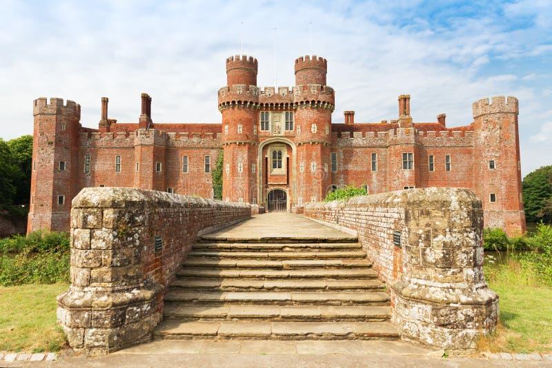 Castillo de Herstmonceux del ladrillo en el siglo XV del este de Inglaterra Sussex imagen de archivo libre de regalías