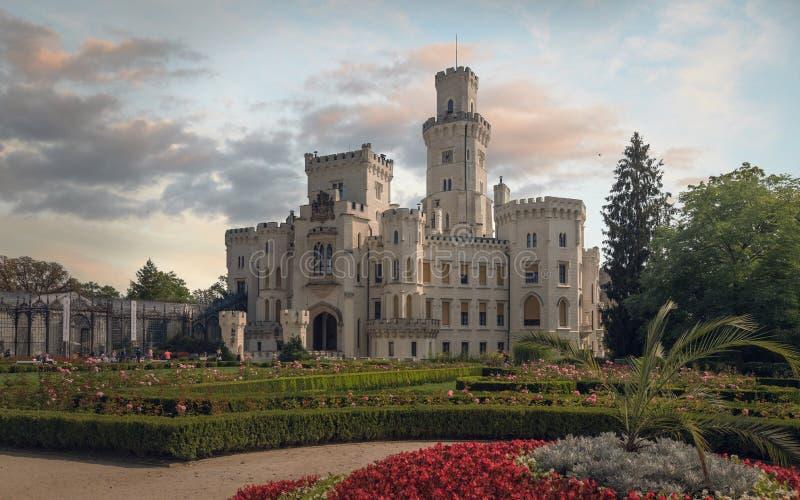 Castillo de Hluboka del cuento de hadas en República Checa imagenes de archivo