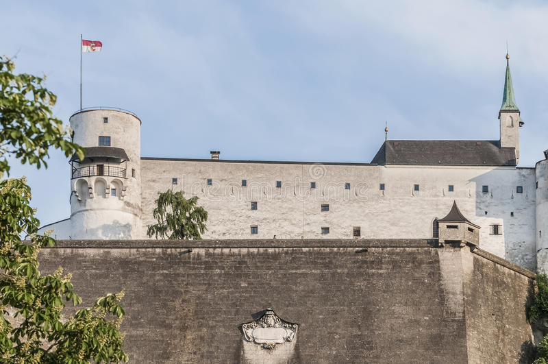 Castillo de Hohensalzburg (Festung Hohensalzburg) en Salzburg, Austri fotos de archivo
