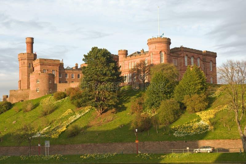 Castillo de Inverness en primavera. foto de archivo