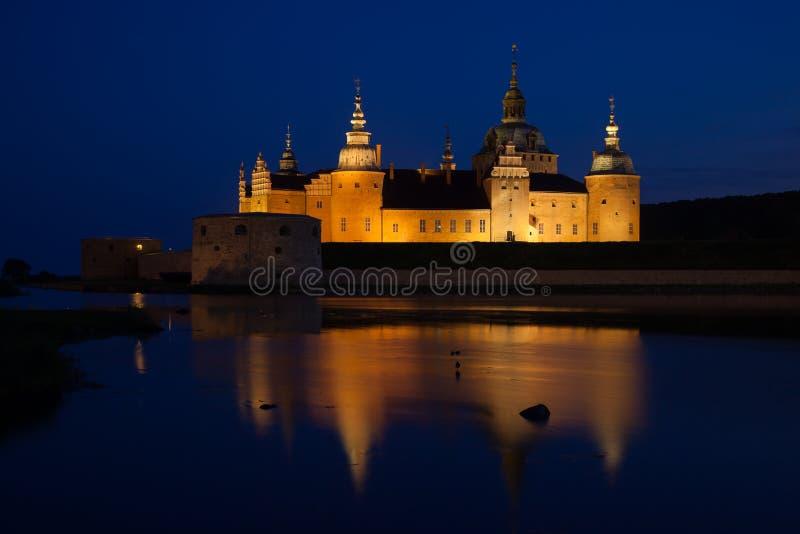 Castillo de Kalmar durante noche foto de archivo libre de regalías