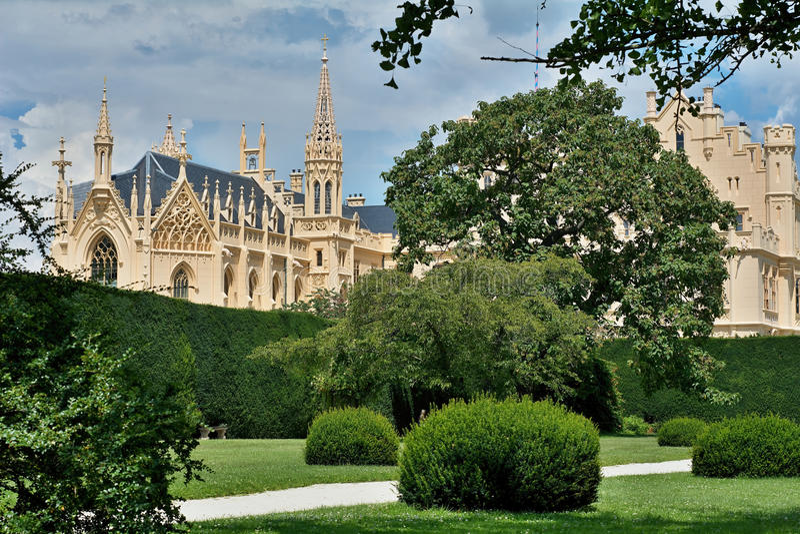 Castillo de Lednice imagen de archivo libre de regalías
