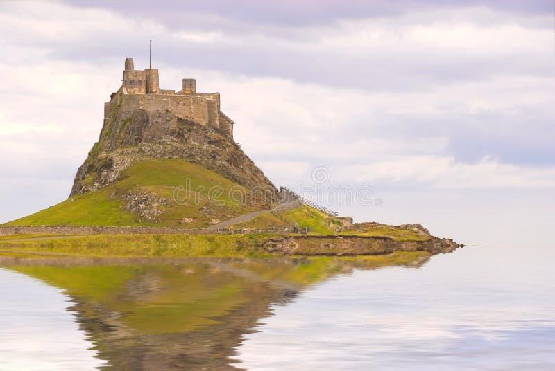 Castillo de Lindisfarne como isla foto de archivo libre de regalías